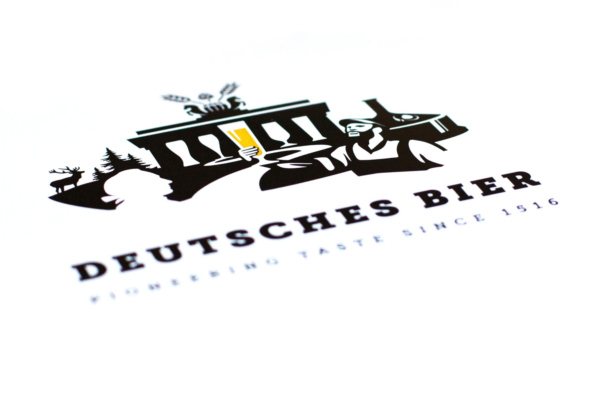 Deutsches Bier logo perspective
